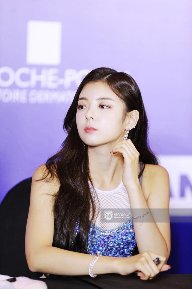 Fansign ITZY và The Boyz tại Việt Nam: 2 mỹ nhân nhà JYP gây bất ngờ vì nhan sắc, Young Hoon và Hyun Jae vẫn quá bảnh - ảnh 10