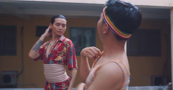4 thiên tài lạ lùng của phim Việt: Thánh mọc sừng Hoa Hồng Trên Ngực Trái đến pha thẳng hóa 3D ở Thập Tam Muội - ảnh 7