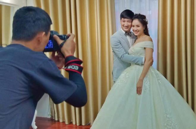 Giả thuyết cái kết cực sốc của Hoa Hồng Trên Ngực Trái: Thái - Khuê tái hợp, dắt bé Bống đi thử váy cưới? - ảnh 3