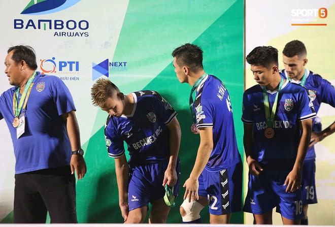 Tuyển thủ U22 Việt Nam chán nản vì chấn thương ngay trước ngày hội quân chuẩn bị cho SEA Games 2019 - ảnh 13
