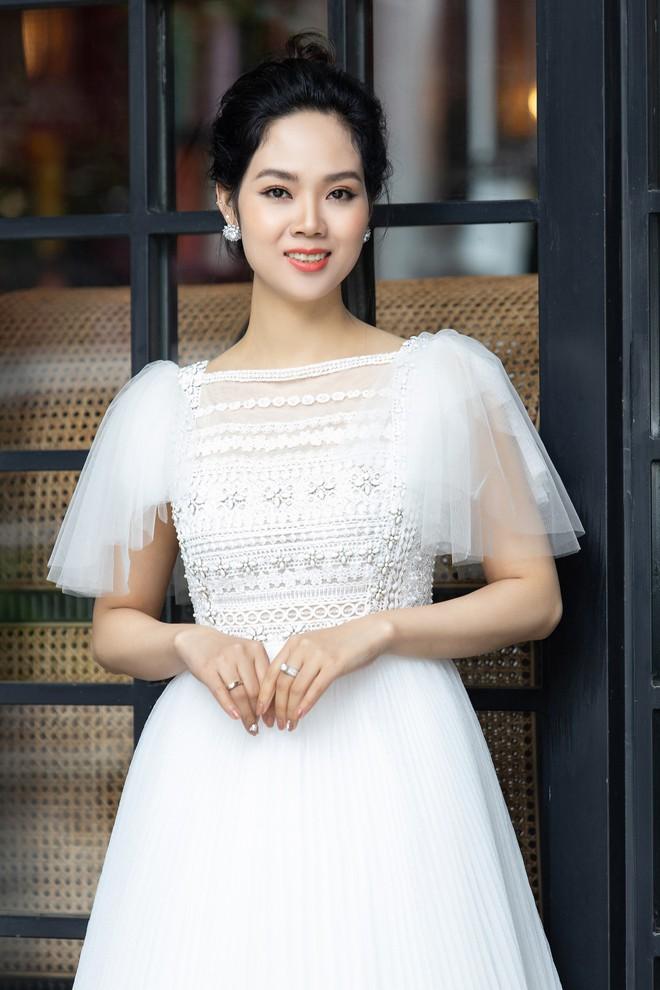 Dàn Hoa hậu, Á hậu hot nhất nhì Vbiz váy áo lộng lẫy, đụng độ bất phân thắng bại trong một khung hình - ảnh 3