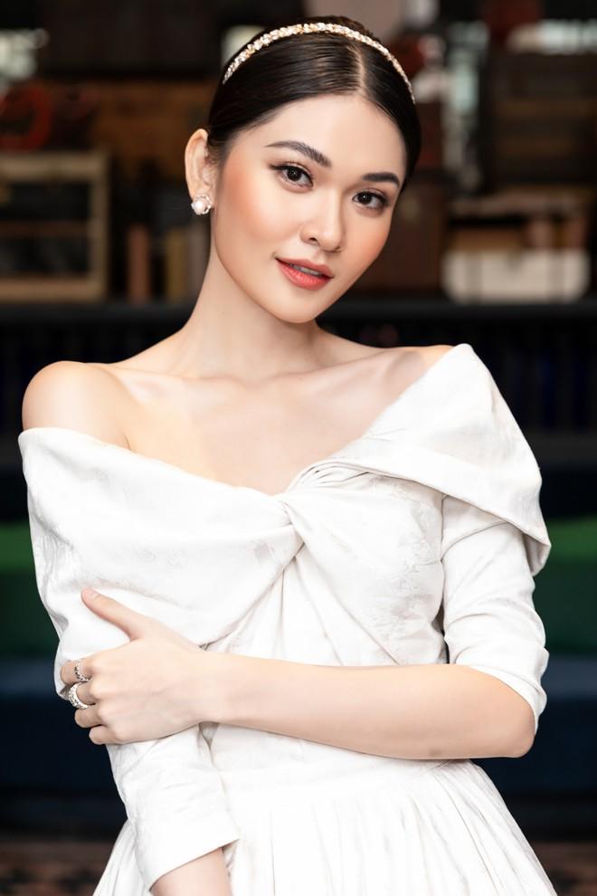 Dàn Hoa hậu, Á hậu hot nhất nhì Vbiz váy áo lộng lẫy, đụng độ bất phân thắng bại trong một khung hình - ảnh 9