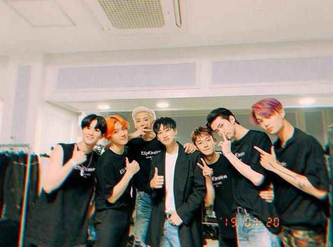 Quá đắng cho hậu bối nhà SM: Heechul thì làm trưởng FC ITZY, giờ lại xuất hiện thêm hội fanboy Super Junior tới cổ vũ nhiệt tình concert WINNER - ảnh 3
