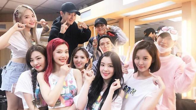Quá đắng cho hậu bối nhà SM: Heechul thì làm trưởng FC ITZY, giờ lại xuất hiện thêm hội fanboy Super Junior tới cổ vũ nhiệt tình concert WINNER - ảnh 4