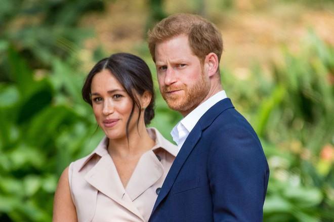 """Nghi vấn hoàng tử Harry và công nương Meghan rời cung điện Windsor trở về """"quê vợ"""" trong nhiều năm tới - ảnh 1"""