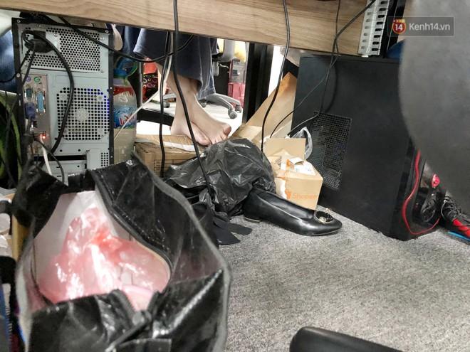 Ai cũng có những đồng nghiệp như thế này: Ly không rửa, rác không đổ, xung quanh chỗ ngồi là một kho chứa hàng bốc mùi chua loét! - Ảnh 3.