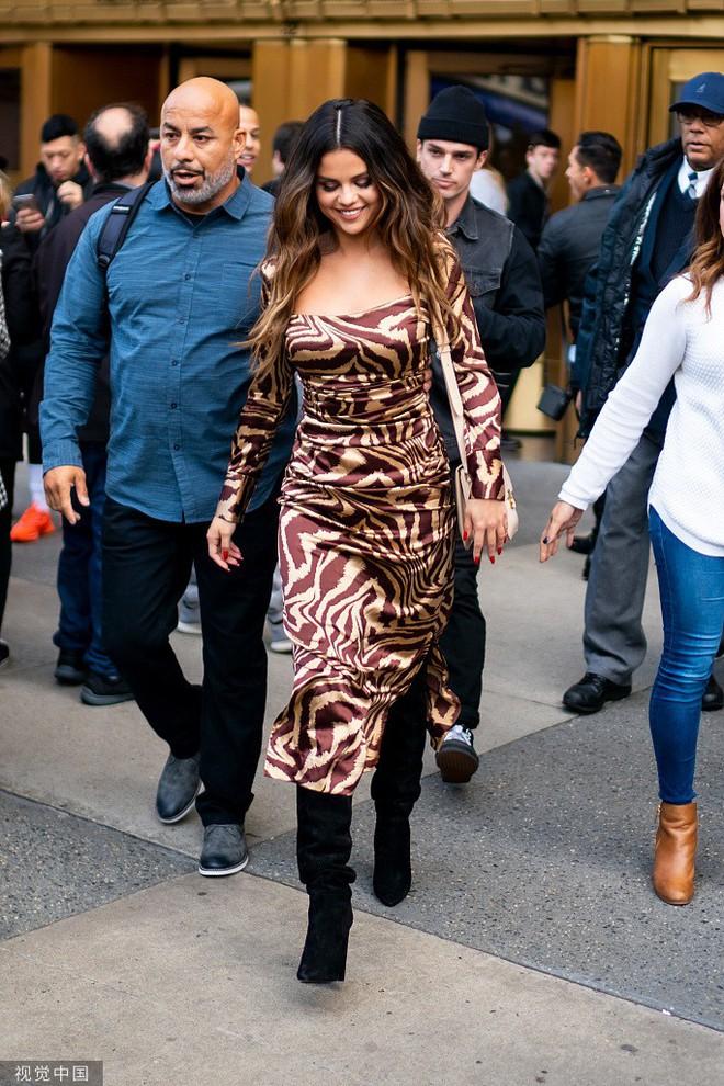 Quý cô độc thân đắt giá Selena Gomez gây náo loạn New York với 4 hình ảnh quyến rũ ngút ngàn chỉ trong 1 ngày - Ảnh 11.