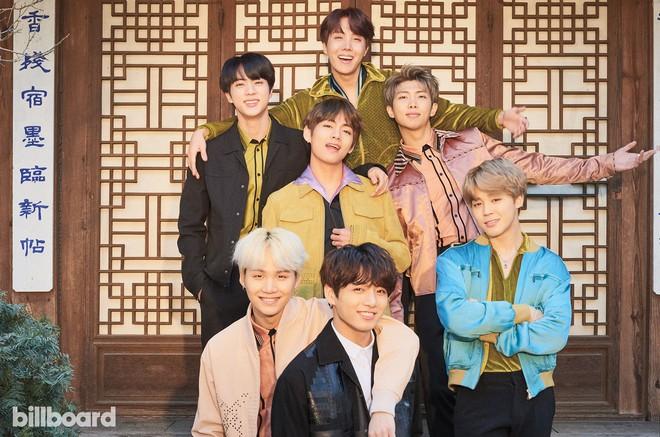 Fandom của BTS lại đón thêm 2 thành viên nổi tiếng mới: Nam ca sĩ nhóm Boyz II Men huyền thoại và cả... cậu con trai! - ảnh 2