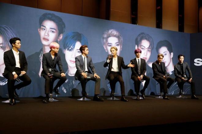 Sau loạt tranh cãi lôi BTS vào media-play, SuperM tung MV debut hoành tráng nhắm tới Billboard Hot 100, phản ứng của cư dân mạng ra sao? - ảnh 1