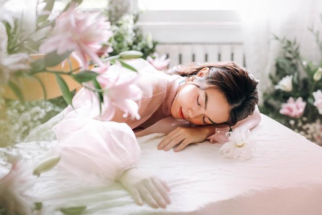 Phạm Quỳnh Anh tung bộ ảnh nàng thơ mộng mơ chứng minh nhan sắc không tuổi, tuyên bố: Bây giờ mới là khoảng thời gian thanh xuân của tôi - ảnh 7