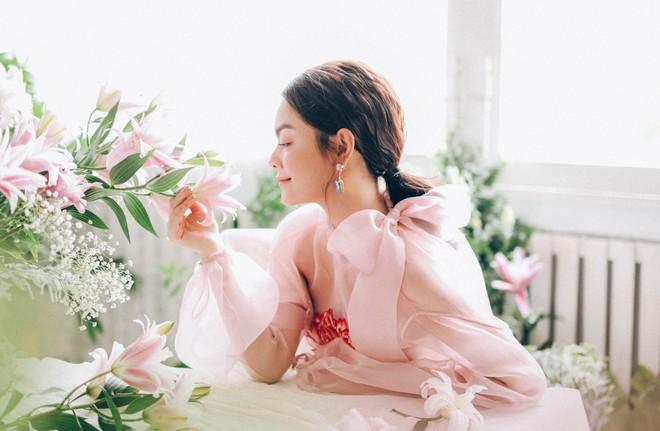 Phạm Quỳnh Anh tung bộ ảnh nàng thơ mộng mơ chứng minh nhan sắc không tuổi, tuyên bố: Bây giờ mới là khoảng thời gian thanh xuân của tôi - ảnh 8