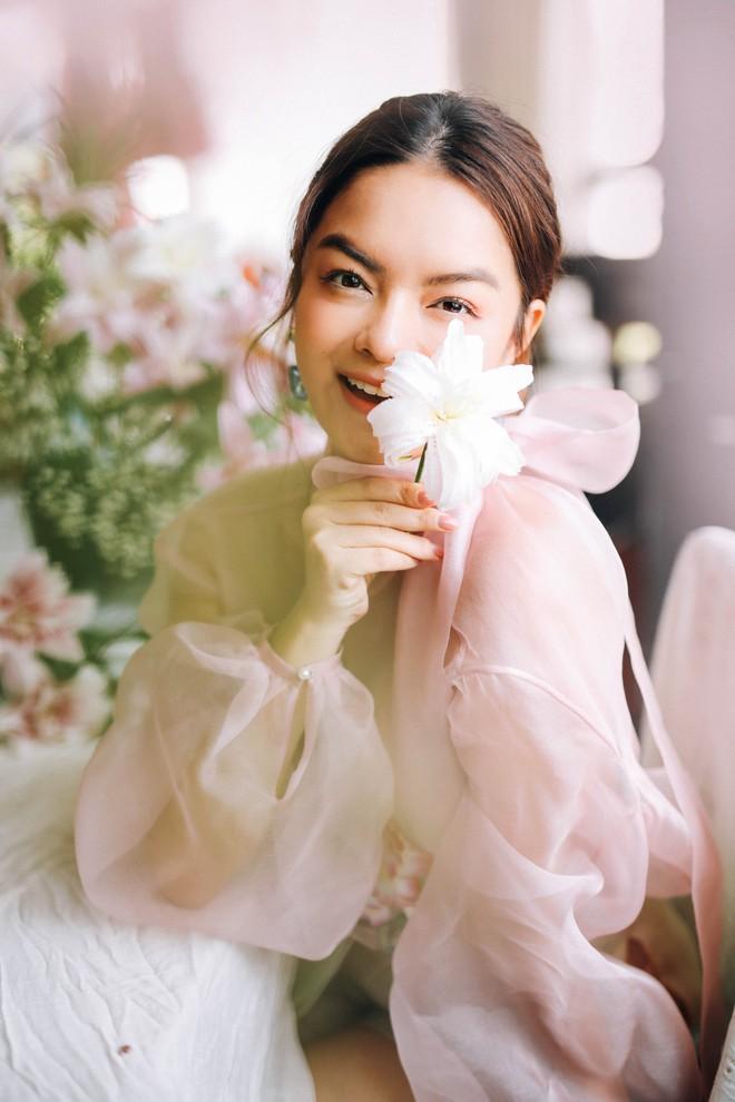 Phạm Quỳnh Anh tung bộ ảnh nàng thơ mộng mơ chứng minh nhan sắc không tuổi, tuyên bố: Bây giờ mới là khoảng thời gian thanh xuân của tôi - ảnh 3