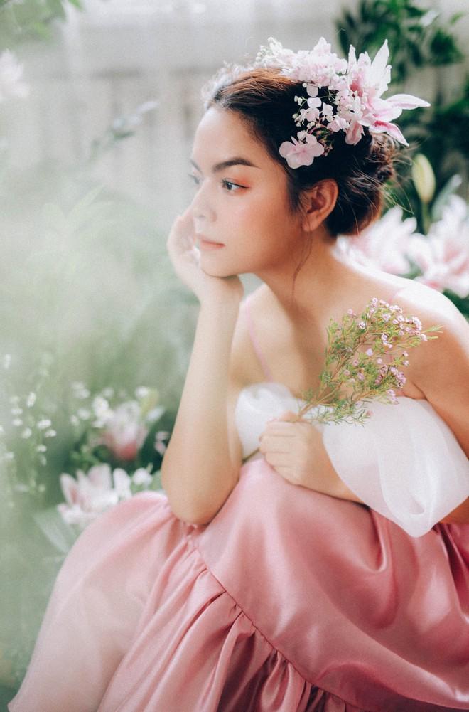 Phạm Quỳnh Anh tung bộ ảnh nàng thơ mộng mơ chứng minh nhan sắc không tuổi, tuyên bố: Bây giờ mới là khoảng thời gian thanh xuân của tôi - ảnh 4