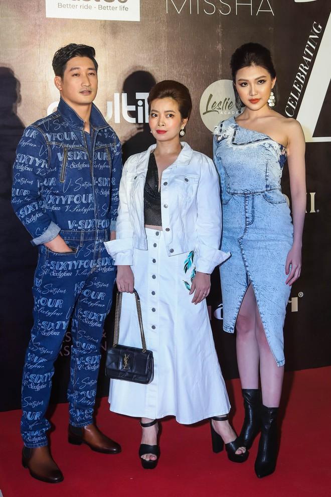 Nhìn trang phục dự sự kiện thời trang của Lương Thanh - Ngọc Quỳnh, ai không biết lại tưởng bị lạc vào thảm đỏ những năm ơ kìa - ảnh 3