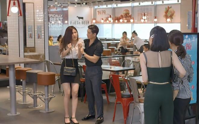 Nhìn trang phục dự sự kiện thời trang của Lương Thanh - Ngọc Quỳnh, ai không biết lại tưởng bị lạc vào thảm đỏ những năm ơ kìa - ảnh 4
