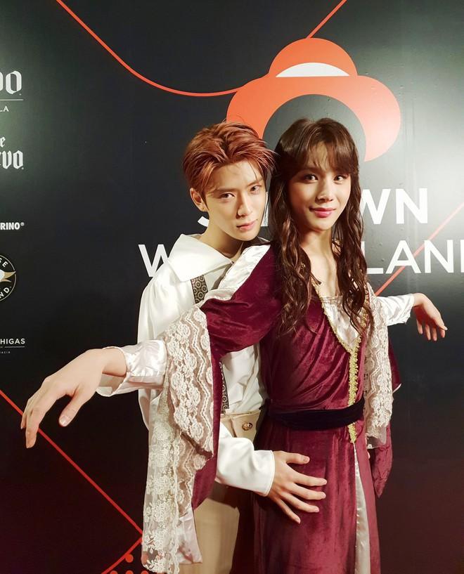 Idol Hàn bắt trend phim hot vào Halloween: TWICE khiến fan sốc nặng, độ chịu chơi nhà SM không ai đọ lại - Ảnh 11.