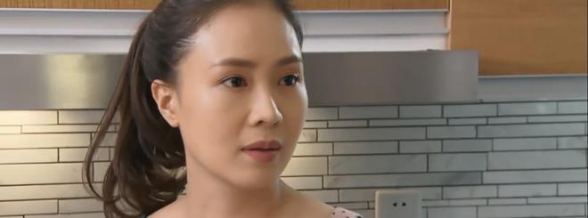 Preview Hoa Hồng Trên Ngực Trái tập 26: Kẻ thù của kẻ thù là chị em tốt, Khuê cáp kèo bà Dung đòi con từ Thái - ảnh 3