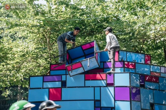 Thành phố Hà Nội buộc phải tháo dỡ tác phẩm nghệ thuật bên Hồ Gươm sau khi bị người dân phóng uế bên trong - ảnh 5