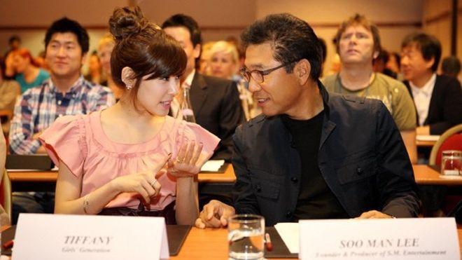 Chuyên gia tộc nhà chủ tịch SM Lee Soo Man: Thái tử ngậm thìa vàng bí ẩn nhất Kbiz và cô cháu gái nổi tiếng khắp châu Á - ảnh 16