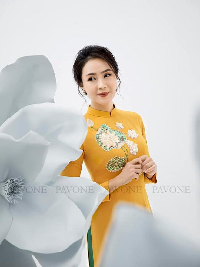 Hồng Diễm nền nã trong bộ ảnh diện áo dài truyền thống, duyên dáng chuẩn vẻ đẹp của phụ nữ Việt Nam - ảnh 3