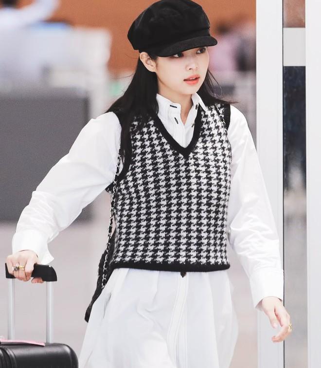 """6 items đang được idol Hàn lăng xê nhiều nhất, bạn chưa update đừng hỏi sao phong cách cứ """"dậm chân tại chỗ"""" - ảnh 13"""