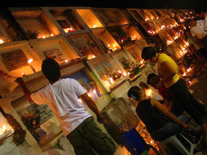 Phiên bản Halloween lụi tàn của người Philippines: Không phải lễ hội trò chơi mà là truyền thống tưởng niệm, nhưng dần bị các giá trị hiện đại xóa bỏ - ảnh 9