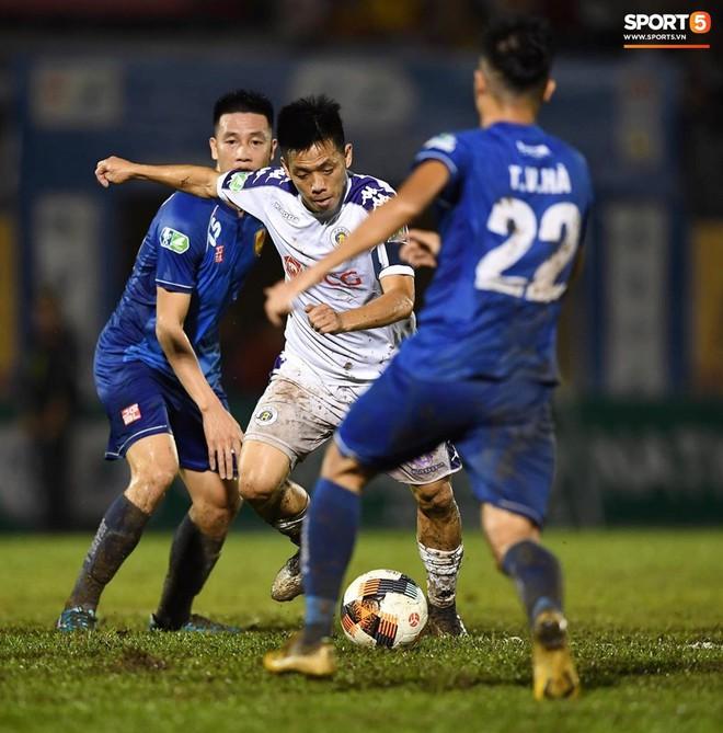 """Đánh bại Quảng Nam trong trận """"thuỷ chiến, Hà Nội FC lần đầu tiên vô địch Cúp Quốc gia 2019 - ảnh 16"""