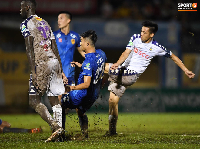 """Đánh bại Quảng Nam trong trận """"thuỷ chiến, Hà Nội FC lần đầu tiên vô địch Cúp Quốc gia 2019 - ảnh 17"""