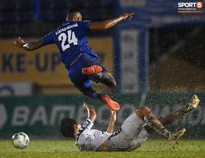 """Đánh bại Quảng Nam trong trận """"thuỷ chiến, Hà Nội FC lần đầu tiên vô địch Cúp Quốc gia 2019 - ảnh 4"""