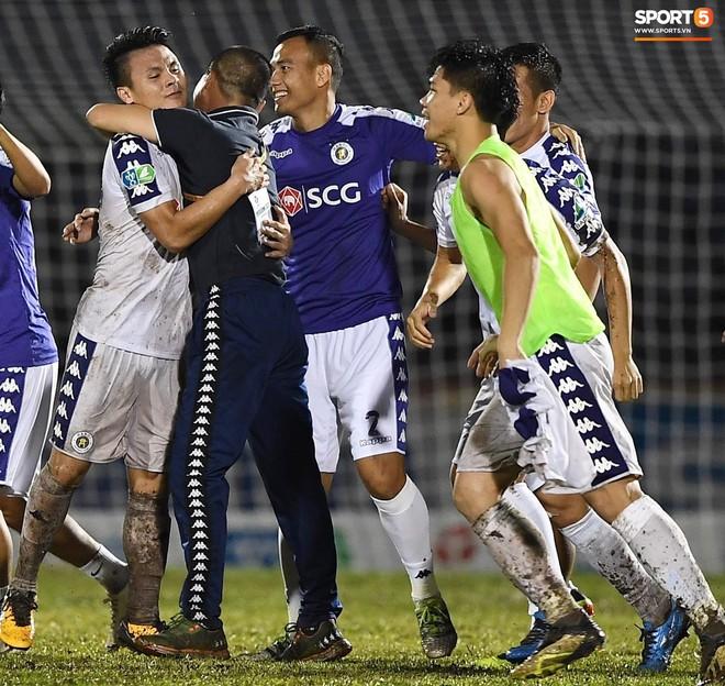 Từ Hà Lan, Văn Hậu cùng hưởng niềm vui vô địch với Hà Nội FC bằng cách đặc biệt này - ảnh 6