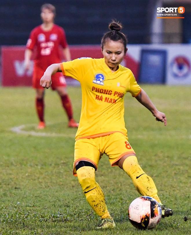Xót xa hình ảnh nữ tuyển thủ Quốc gia bật khóc, hot girl Trần Thị Duyên thất thần sau trận thua đau đớn - ảnh 3