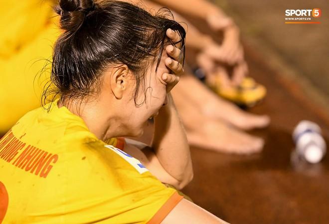 Xót xa hình ảnh nữ tuyển thủ Quốc gia bật khóc, hot girl Trần Thị Duyên thất thần sau trận thua đau đớn - ảnh 4
