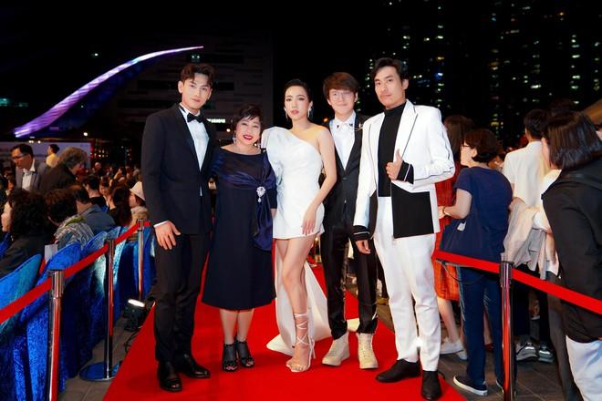 Toàn tin vui cho phim Việt tại LHP quốc tế Busan ngày đầu tiên: Anh Trai Yêu Quái và Bắc Kim Thang cùng cháy vé - Ảnh 2.