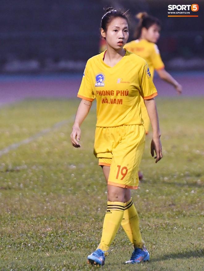 Xót xa hình ảnh nữ tuyển thủ Quốc gia bật khóc, hot girl Trần Thị Duyên thất thần sau trận thua đau đớn - ảnh 11