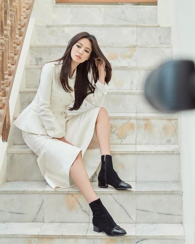 Động thái đầu tiên của Song Hye Kyo trên MXH sau 3 tháng ly dị: Đăng loạt ảnh gì mà gây bão thế này? - Ảnh 3.