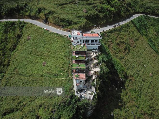 Chùm ảnh: Cận cảnh toà nhà 7 tầng xây dựng trái phép trên đỉnh Mã Pì Lèng - Ảnh 7.