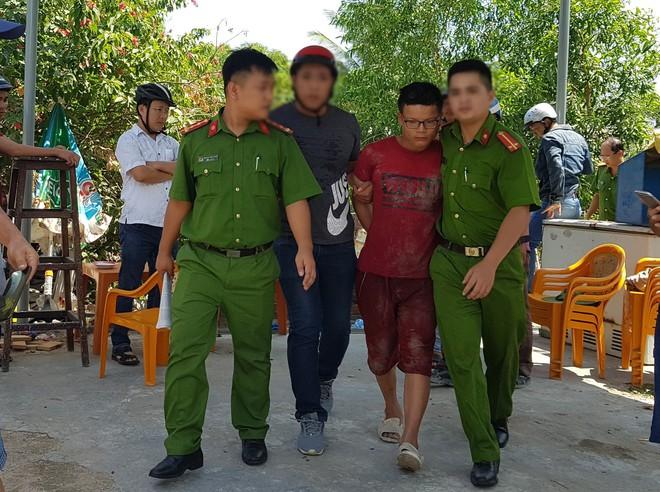 Chân dung tên cướp đâm chết cụ bà 71 tuổi và làm trọng thương cô gái sau khi mua dâm trong quán hớt tóc ở Đà Nẵng - ảnh 1