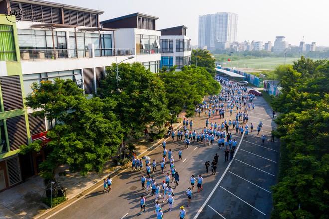 Gần 1.000 người và rất nhiều KOLs cùng tham gia ngày hội đi bộ vì Bệnh nhân ung thư Việt Nam - ảnh 1