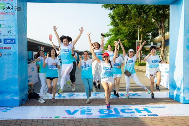 Gần 1.000 người và rất nhiều KOLs cùng tham gia ngày hội đi bộ vì Bệnh nhân ung thư Việt Nam - ảnh 6