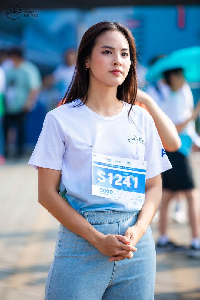 Gần 1.000 người và rất nhiều KOLs cùng tham gia ngày hội đi bộ vì Bệnh nhân ung thư Việt Nam - ảnh 2