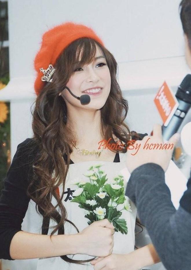 Soi nhan sắc ngày xưa của Angela Baby: Bảo sao khiến Huỳnh Hiểu Minh mê đắm, hứa nâng niu như công chúa cả đời - ảnh 2