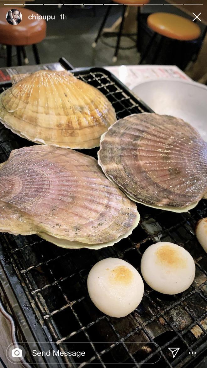 Chi Pu bị dị ứng hải sản ở Nhật khiến da mẩn ngứa, bạn cũng cần lưu ý khi ăn món này - ảnh 4