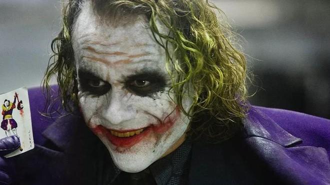 Đặt lên bàn cân các phiên bản Joker: Có thể Joaquin Phoenix là điên nhất nhưng chuẩn nguyên tác phải là người này!  - Ảnh 19.