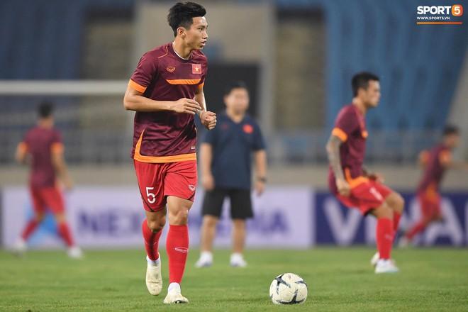 Nhìn Đặng Văn Lâm bay lượn trong khung thành, HLV Park Hang-seo thở phào nhẹ nhõm trước cuộc đối đầu với Malaysia - ảnh 2