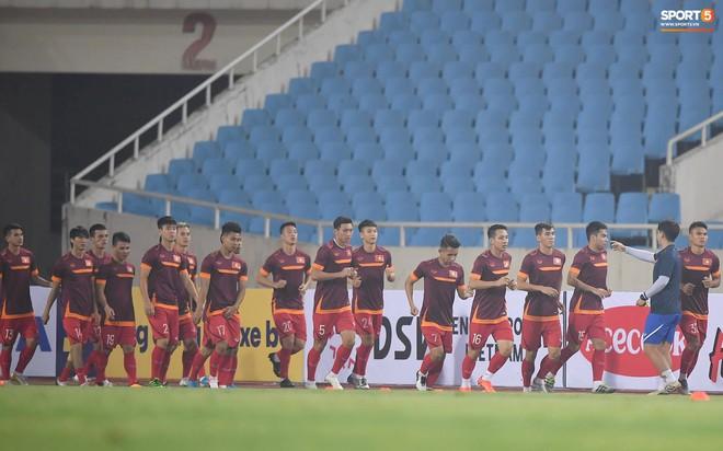 Nhìn Đặng Văn Lâm bay lượn trong khung thành, HLV Park Hang-seo thở phào nhẹ nhõm trước cuộc đối đầu với Malaysia - ảnh 1