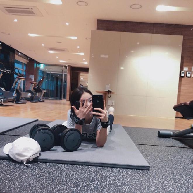 Từ 65kg xuống 45kg, cô gái Hàn Quốc rũ bỏ bụng mỡ để lấy lại vòng eo thon gọn chỉ sau 1 năm - ảnh 18