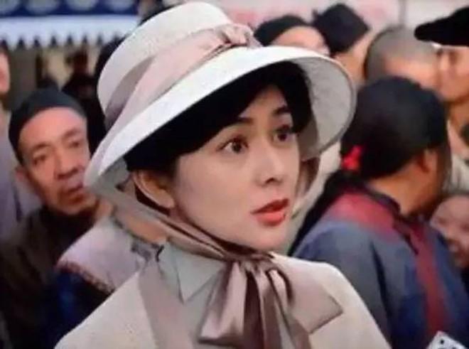 Xao xuyến nhan sắc U30 của Quan Chi Lâm, bảo sao Lưu Đức Hoa phải thốt lên: Cô ấy là người đẹp nhất tôi từng gặp - ảnh 24