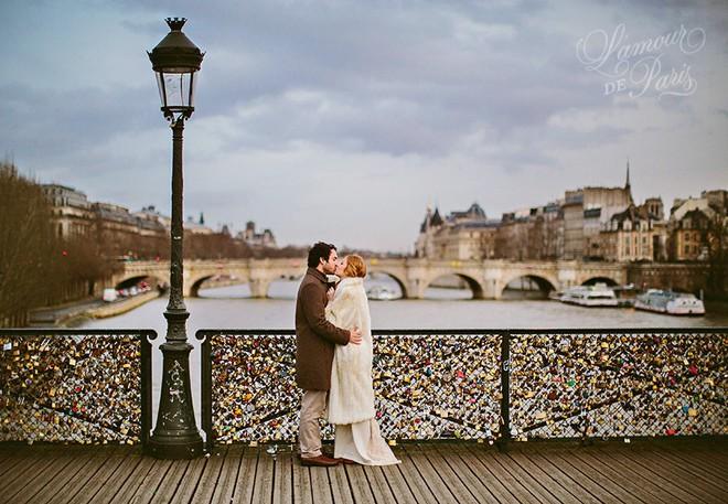 """10 địa điểm """"khóa chặt"""" tình yêu nổi tiếng nhất trên thế giới, không thể không nhắc đến cầu tình yêu ở Việt Nam - Ảnh 1."""