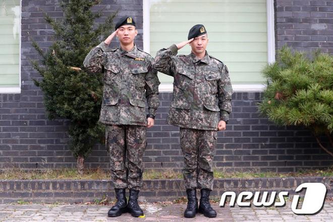 Taeyang và Daesung (BIGBANG) chính thức xuất ngũ: Béo lên trông thấy, vui mừng trước 1000 fan vây kín cả khu vực - ảnh 10