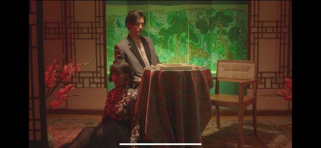 Min táo bạo đưa motif nhân thú vào MV Vì Yêu Cứ Đâm Đầu, Đen và Justatee không thấy đâu nhưng giật thót khi xem đến cái kết! - ảnh 2